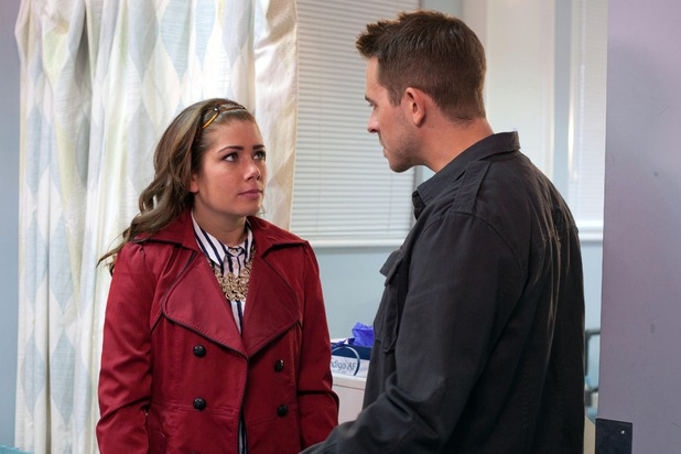 Hollyoaks, Darren tels Maxine to lie to the police, Tue 10 Feb