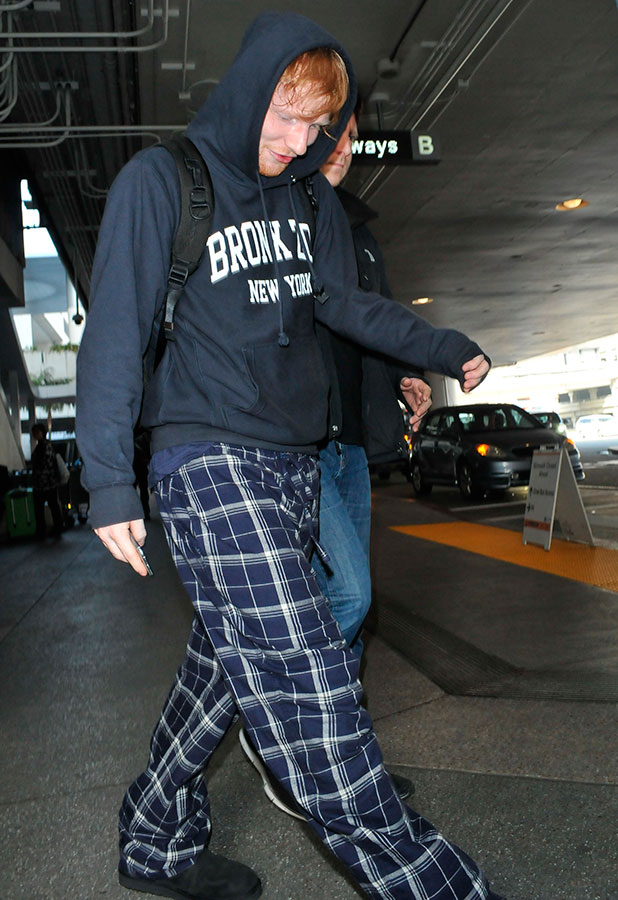 Ed Sheeran wearing pajama pants at Los Angeles International Airport (LAX), 4 February 2015