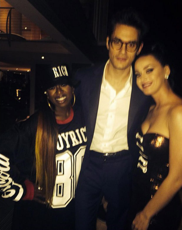John Mayer and Katy Perry pose with Missy Elliott at Super Bowl XLIX, 1 February 2015
