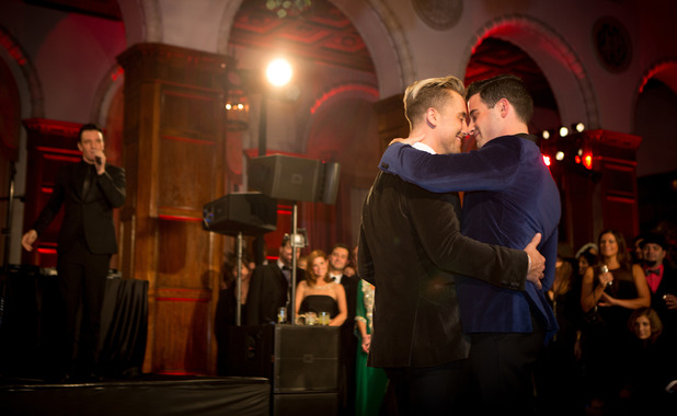 Lance Bass and Michael Turchin's first dance at wedding, E! 12 February