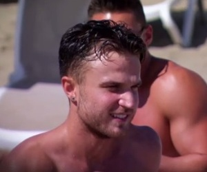 Adam Gabriel arrives to the beach, Ex On The Beach, Episode 1 27 January - adam-gabriel-arrives-to-eotb