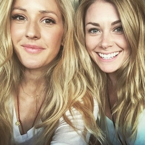Ellie Goulding takes selfie with Georgia Jones, Australia