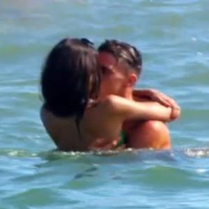Ex On The Beach, Anita Kaushik and Gary Beadle kiss, Episode 4 17 February