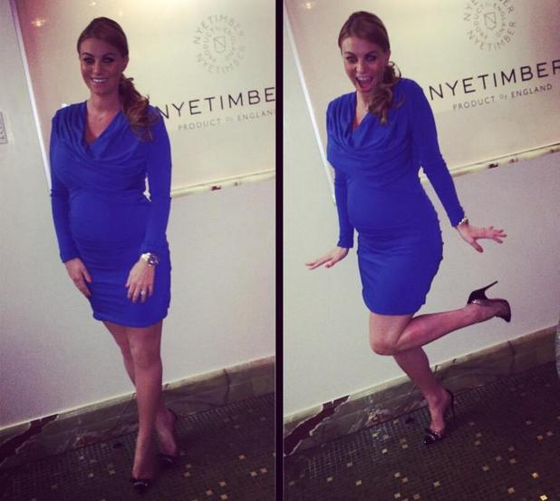 Pregnant Billi Mucklow wears cobalt blue dress to her Valentine's Day dinner - 16 Feb 2015