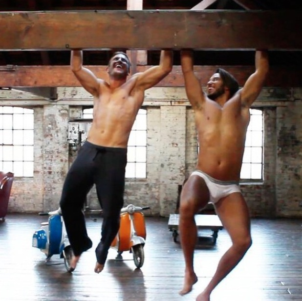 James Lock and Elliott Wright have a pull-up competition - 17 Feb 2015