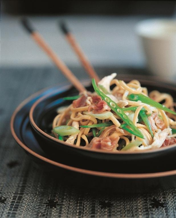 Ken Hom's chicken chow mein recipe