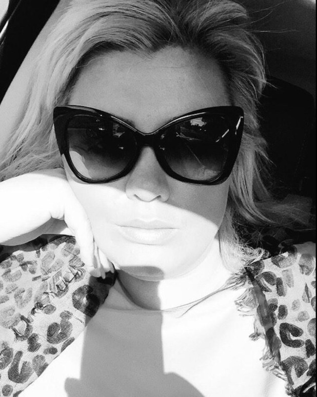 Gemma Collins shares selfie after hiding from photographers, Twitter 18 February
