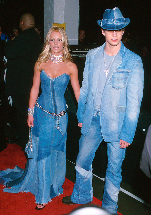 Britney Spears & Justin Timberlake of NSYNC, AMAs 2001