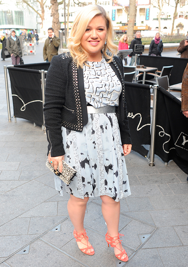 Kelly Clarkson seen arriving at Capital FM this morning, 19 February 2015