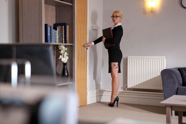 Hollyoaks, Theresa applies for a job, Wed 25 Feb