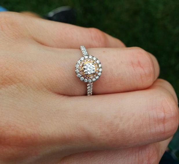 Reveal's celebrity editor Emma Hunt shows off her engagement ring for Reveal's wedding blog