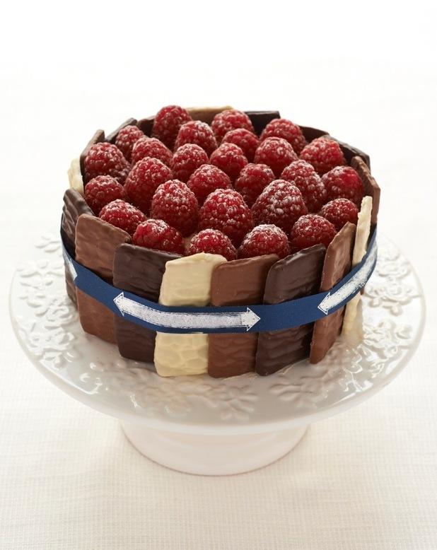 Chocolate berry cake
