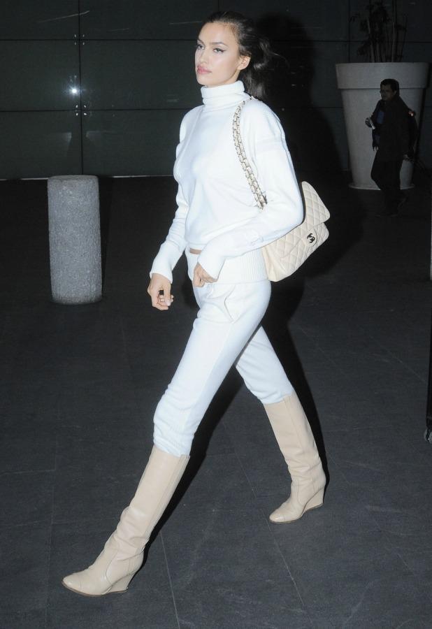 Irina Shayk arrives to Mexico City Airport, Mexico - 25 Feb 2015