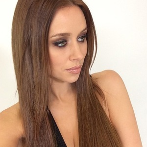 Una Foden showcases newly dyed brunette hair, Instagram 4 March
