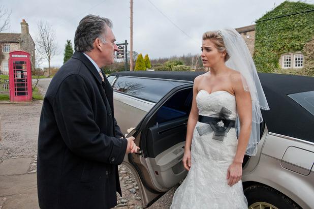 Emmerdale, Carly arrives, Wed 11 Mar