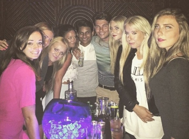 Joey Essex surrounds himself with mystery women in Dubai - 4 March 2015