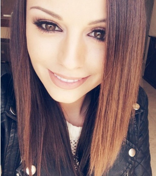 Cher Lloyd shows off poker straight hair in new recording studio selfie - 3 March 2015
