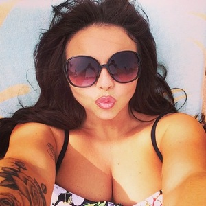 Jesy Nelson takes poolside selfie in Dubai, Instagram 10 March