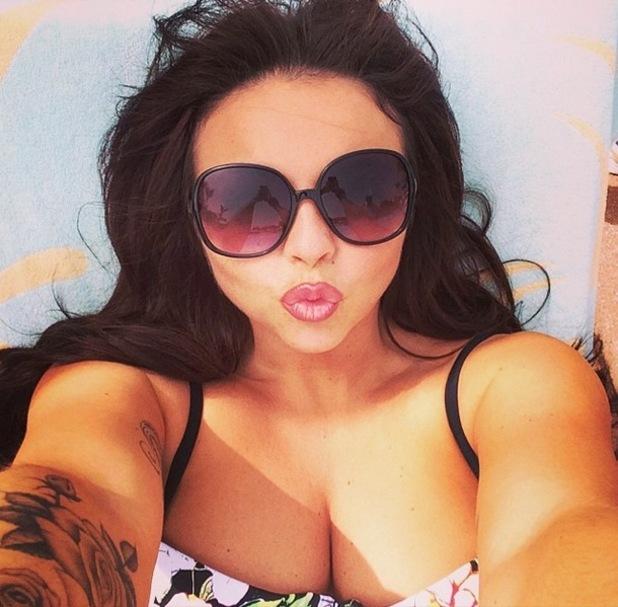 Jesy Nelson takes poolside selfie in Dubai, Instagram 10 March