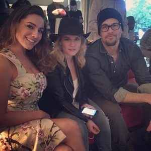 Kelly Brook with One Big Happy co-stars Nick Zano and Elisha Cuthbert, Instagram 18 March
