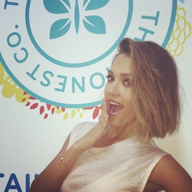 Jessica Alba posts snap of her new bob haircut on Instagram (14 March)
