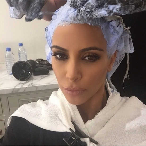 Kim Kardashian gets her roots done again! (18 March)