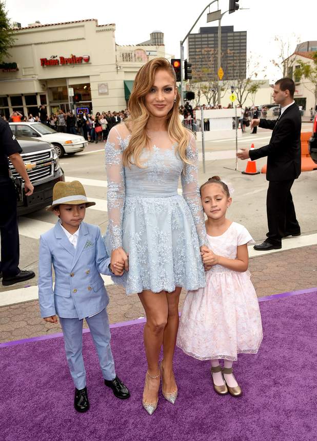 Jennifer Lopez and her twins at the Home premiere (22 March)