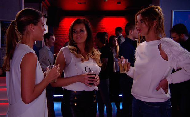 TOWIE episode to air 25 March 2015: Chloe returns from Dubai and talks to the girls