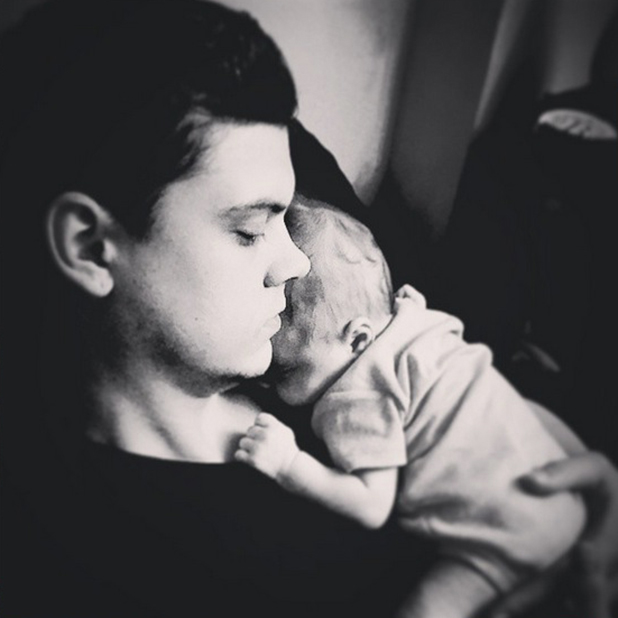 Teen Mom's Catelynn shares photo of Tyler and baby Nova, 23 March 2015