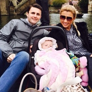 Billie Faiers, Greg Shepherd and daughter Nelly punting in Cambridge, Instagram 6 April