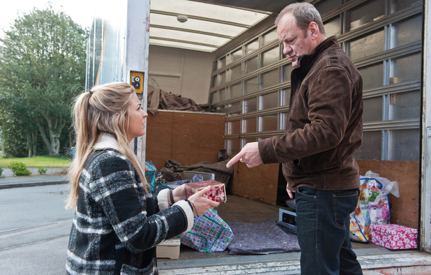 Emmerdale, Carly ropes Jimmy in, Mon 13 Apr
