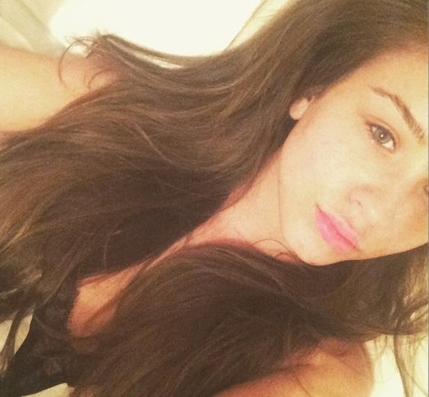 Brooke Vincent shares make-up free selfie, Instagram 7 April