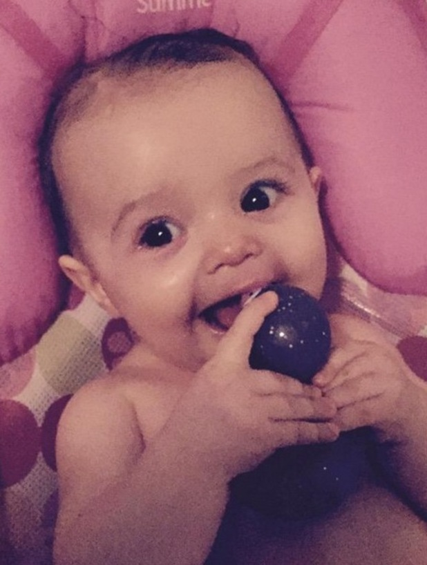 Sam Bailey photo of baby Miley on twitter 13th April 2015