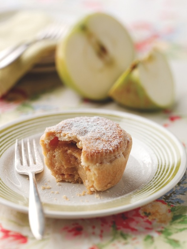 BRAMLEY APPLE, GINGER AND CARAMEL PIES