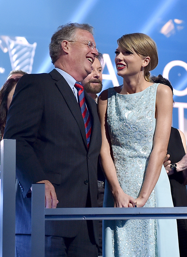 Scott Swift (L) and honoree Taylor Swift attend the 50th Academy Of Country Music Awards at AT&T Stadium on April 19, 2015 in Arlington, Texas.