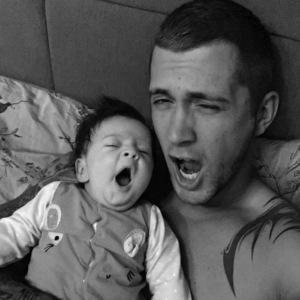 Dan Osborne mimics daughter Ella, Instagram 26 April