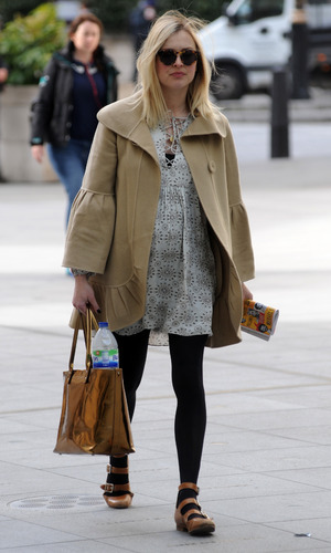Pregnant Fearne Cotton arrives at BBC Radio 1 - 05/01/2015.