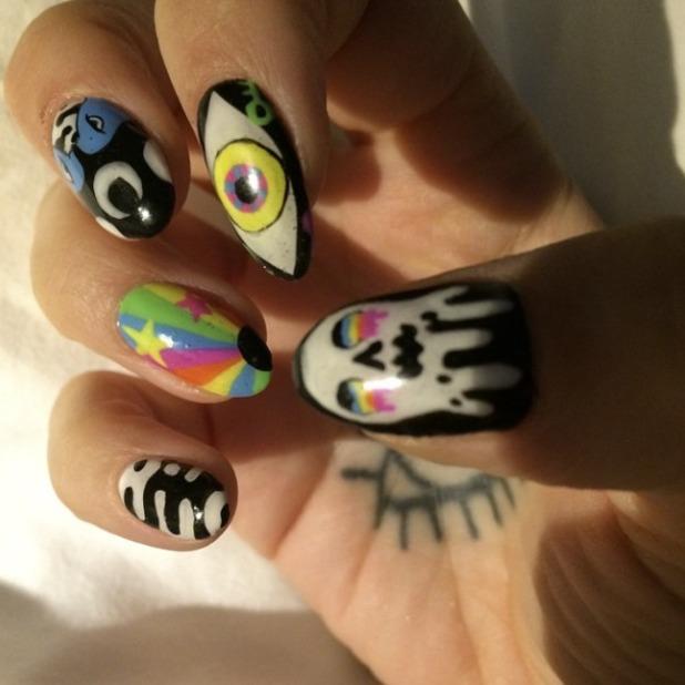 Ke$ha's psychedelic nails by Naomi Yasuda, 29 April 2015