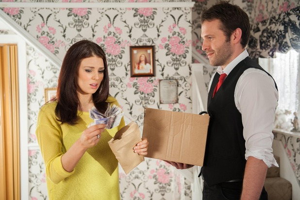 Hollyoaks, Lockie gives Porsche the money, Wed 6 May
