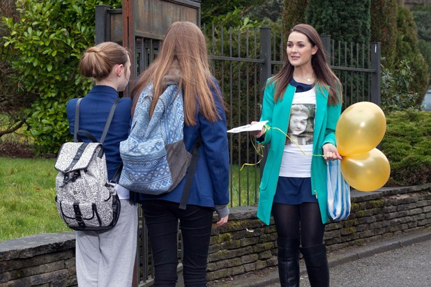 Hollyoaks, Sienna campaigns for Nico, Thu 7 May