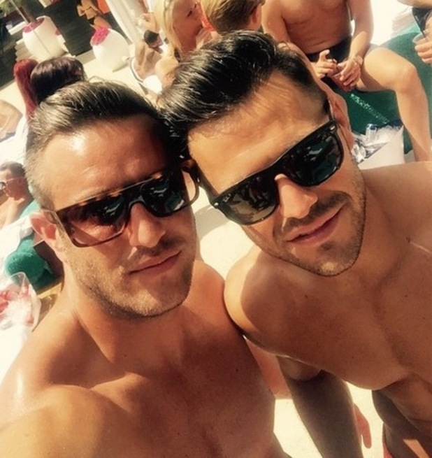 Elliott Wright and Mark Wright in Vegas, Instagram 7 May