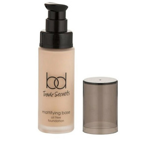 bd Trade Secrets Oil Free Matte Foundation, £8.99 from Tesco, 13th May 2015