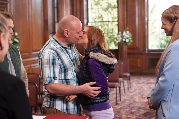 Hollyoaks, Cindy and Dirk marry, Wed 13 May