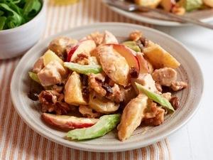 Easy recipe for Coronation Chicken & Potato salad - perfect for picnics