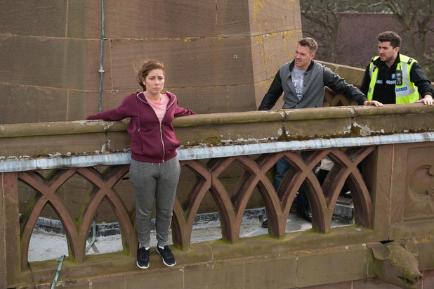 Hollyoaks, Maxine tries to commit suicide, Fri 22 May