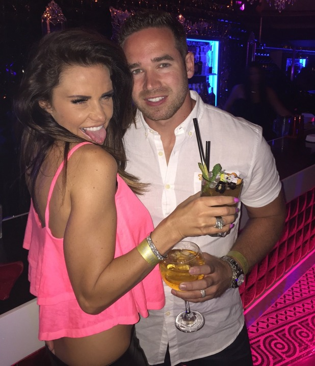 Katie Price shares snaps from her holiday with husband Kieran Hayler, 22 May 2015