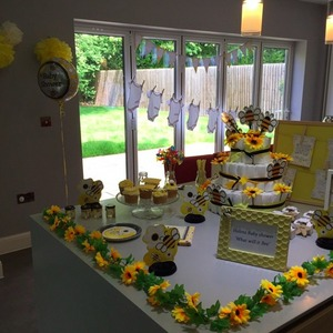 Pregnant Helen Flanagan has bee-themed baby shower, 30 May 2015