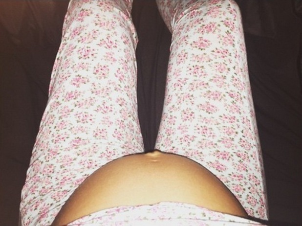 Helen Flanagan shows off bare baby bump, Instagram 25 May
