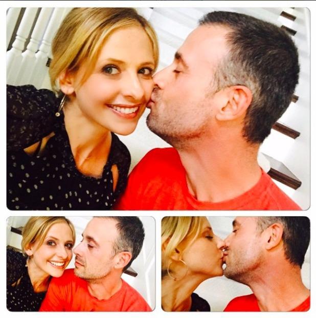 Buffy star Sarah Michelle Gellar kisses husband Freedie Prinze Jnr, 12 February 2015