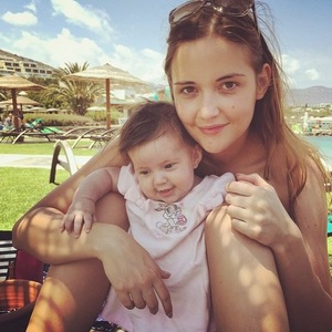 Jacqueline Jossa and daughter Ella on holiday, Instagram 4 June